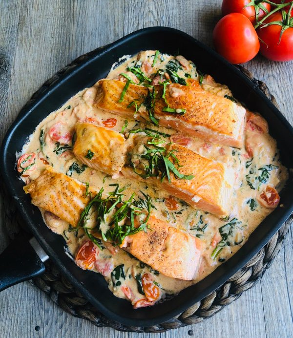 , Creamy Salmon with Spinach, Tomatoes & Basil, SpicyFig, SpicyFig